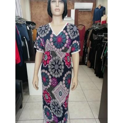 Φόρεμα με V λαιμόκοψη καί διακοσμητική τρέσα εμπριμέ.