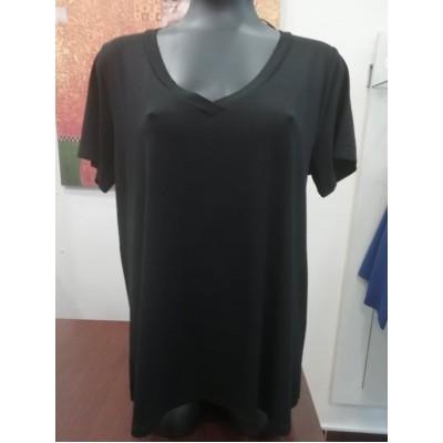 Μπλούζα βισκόζ με V λαιμόκοψη καί φάσα μαύρη.