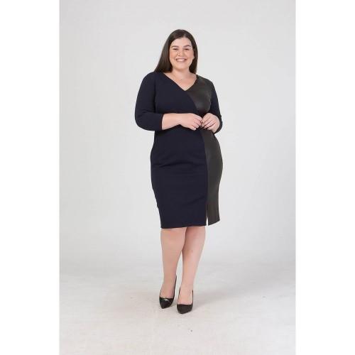 Φόρεμα μακρυμάνικο με δερματίνη σε μαύρο χρώμα.